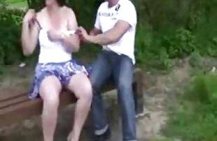 Ung fru svensk porn video hoppar på sin mans kuk